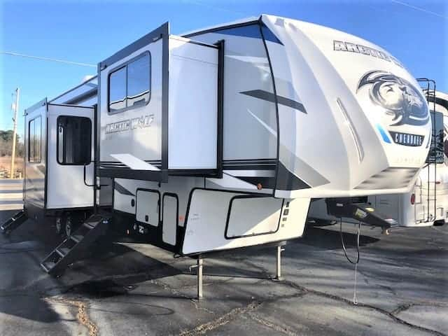 NEW 2021 Forest River Arctic Wolf 3990SUITE-75