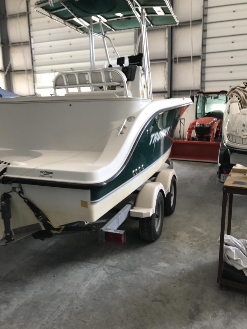 USED 2005 Trophy Marine 2103 Center Console - Hutchinson's Boat Works