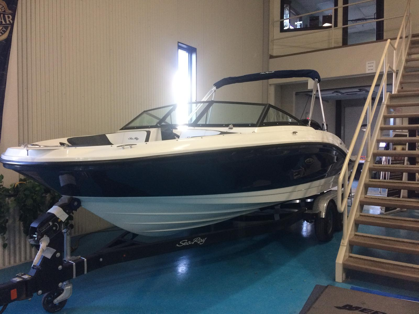 New 2018 Sea Ray 21 SPO - Hutchinson's Boat Works