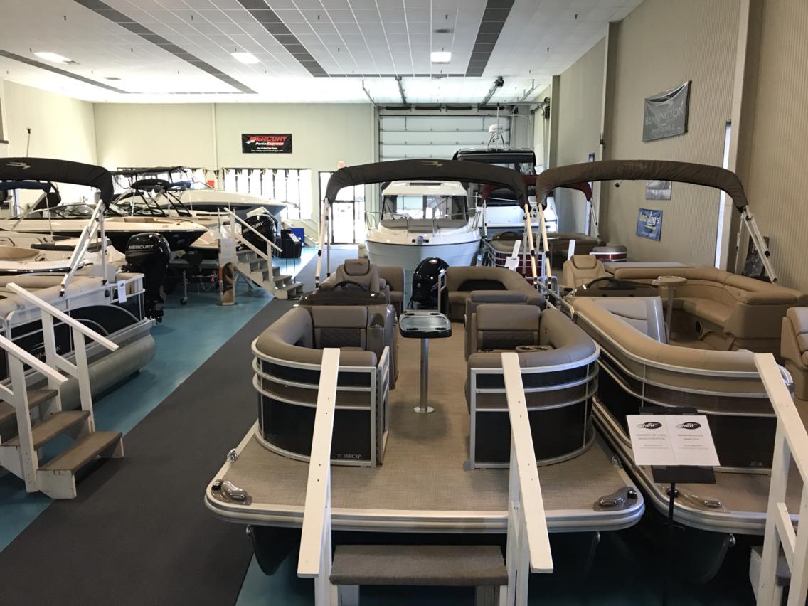 New 2019 Bennington 22 S STERN RADIUS PREMIUM - Hutchinson's Boat Works
