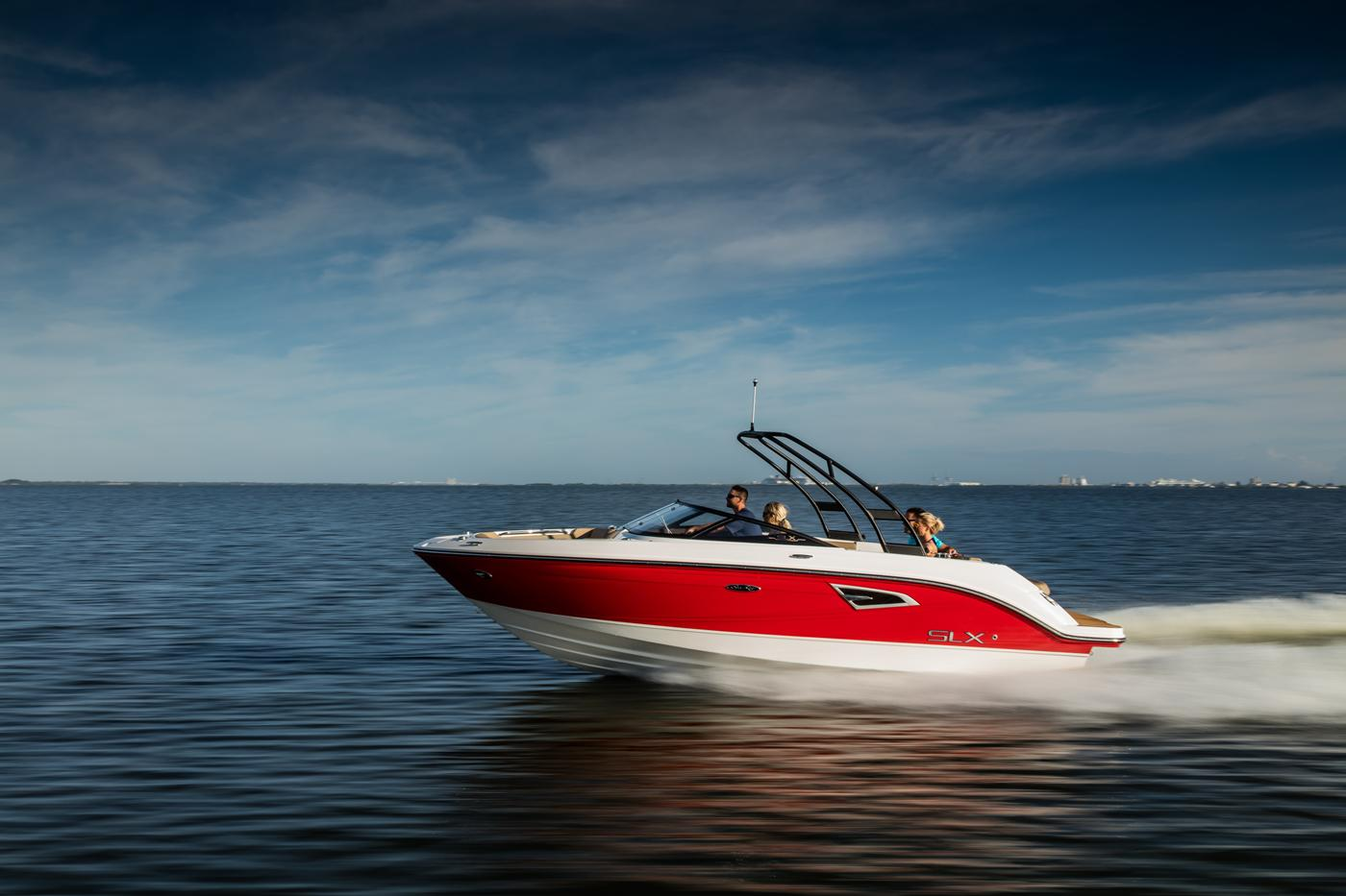 New 2019 Sea Ray 250 SLX - Hutchinson's Boat Works
