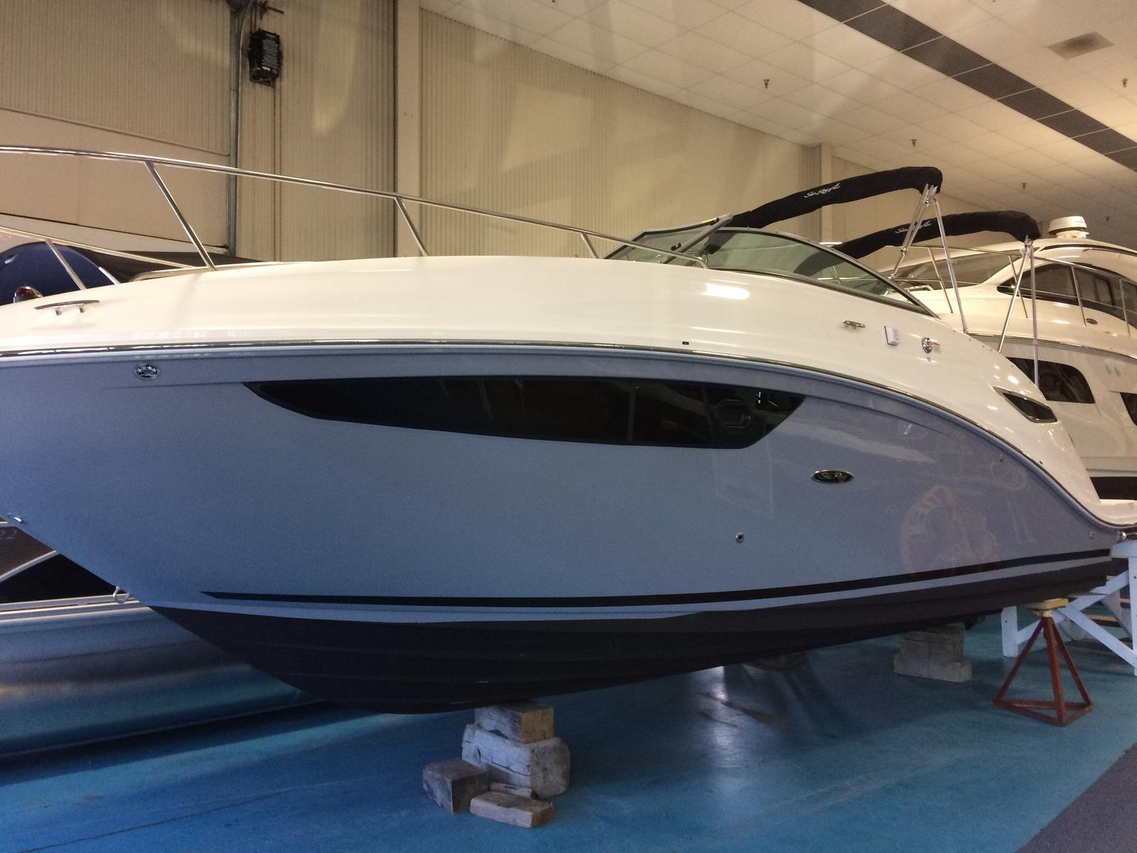 New 2017 Sea Ray Sundancer 260 - Hutchinson's Boat Works