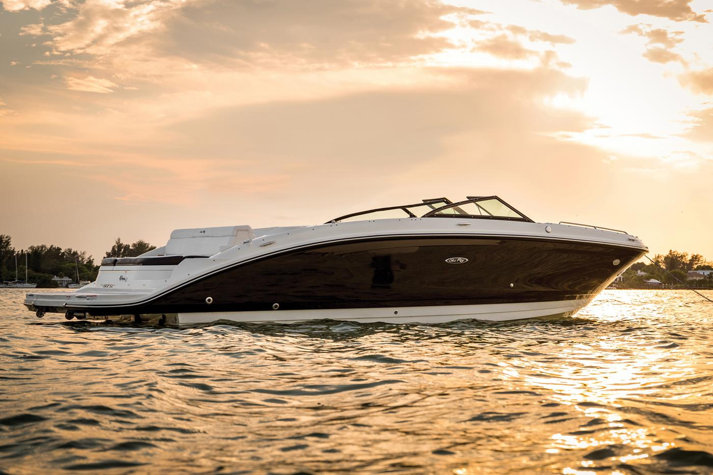 New 2019 Sea Ray 270 SDX - Hutchinson's Boat Works
