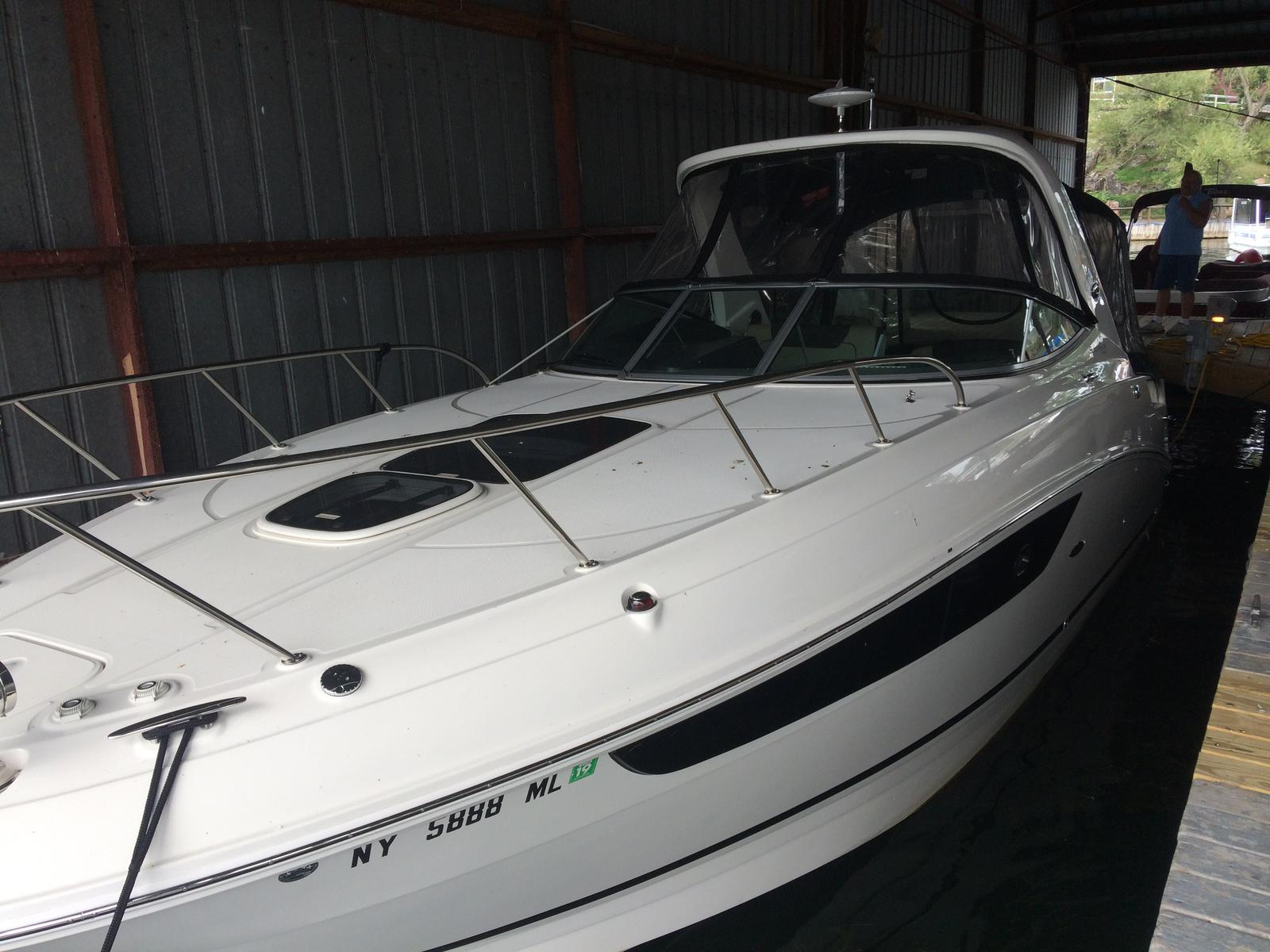 USED 2015 Sea Ray 310 Sundancer - Hutchinson's Boat Works