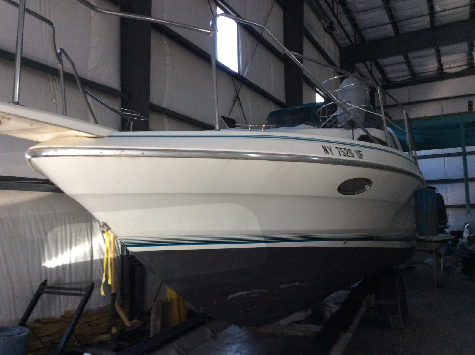 Used 1991 Bayliner 3555 Avanti - Hutchinson's Boat Works