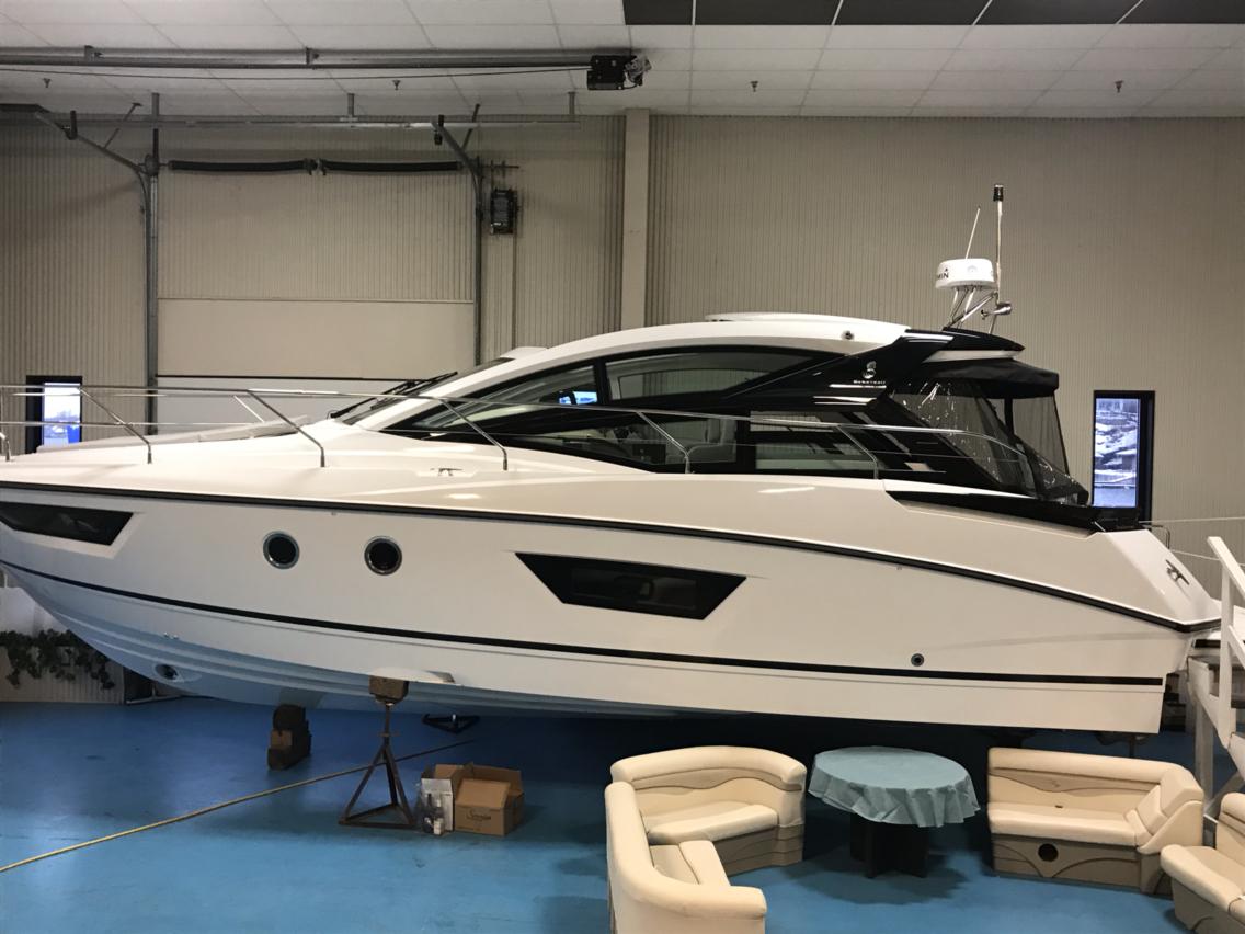 NEW 2019 Beneteau Gran Turismo 40 - Hutchinson's Boat Works