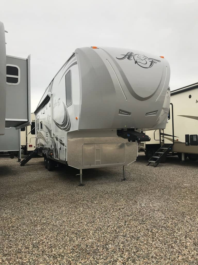 2019 NORTHWOOD 29-5T ARCTIC FOX