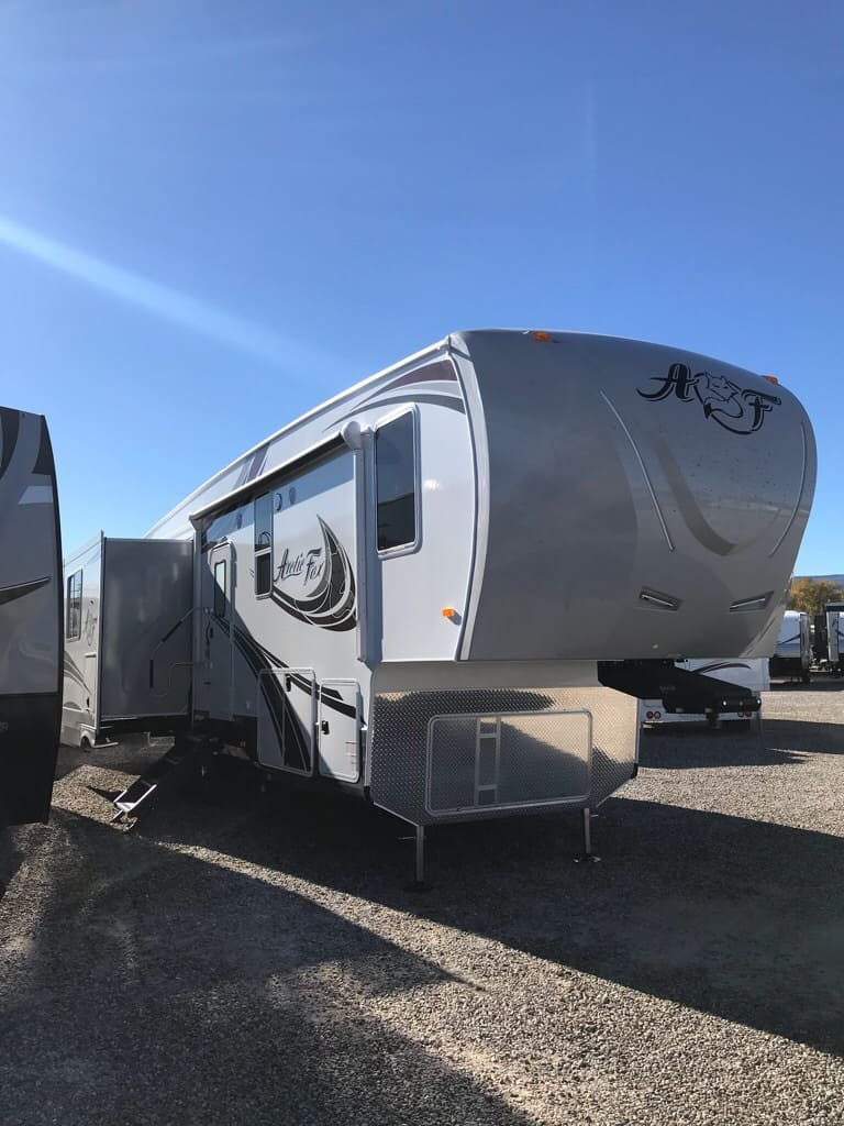 2019 NORTHWOOD 32-5M ACRTIC FOX
