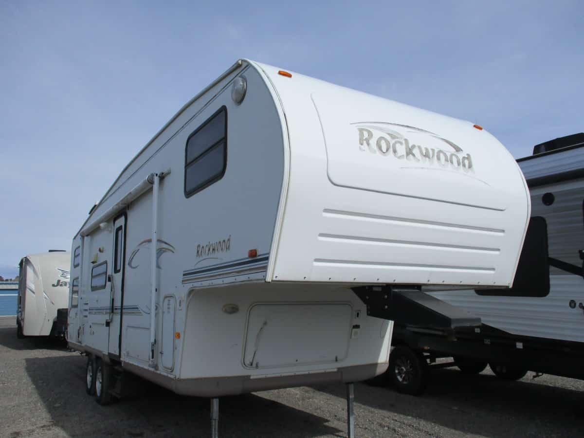 2004 FOREST RIVER 8281SS ROCKWOOD