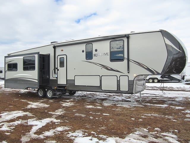 USED 2017 CROSSROADS REZERVE 38MD - Jack's Campers