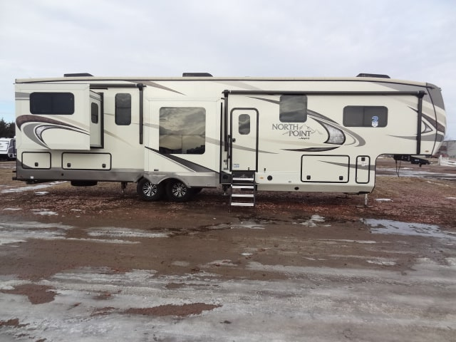 NEW 2018 JAYCO NORTH POINT 387RDFS - Jack's Campers