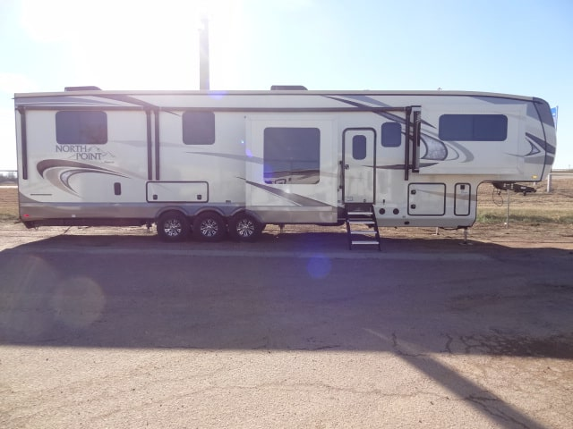 NEW 2018 JAYCO NORTH POINT 385THWS - Jack's Campers