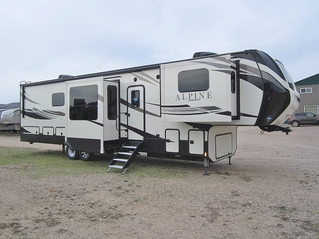 NEW 2019 KEYSTONE ALPINE 3700FL - Jack's Campers