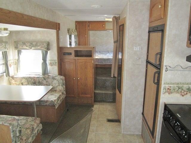 USED 2005 KEYSTONE SPRINGDALE 242RELGL - Jack's Campers