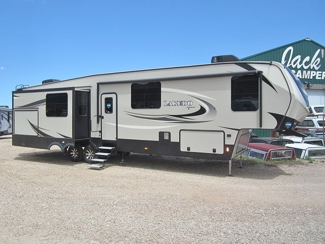 NEW 2019 KEYSTONE LAREDO 380MB - Jack's Campers