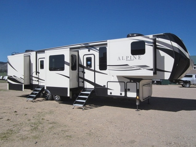 NEW 2019 KEYSTONE ALPINE 3800FK - Jack's Campers