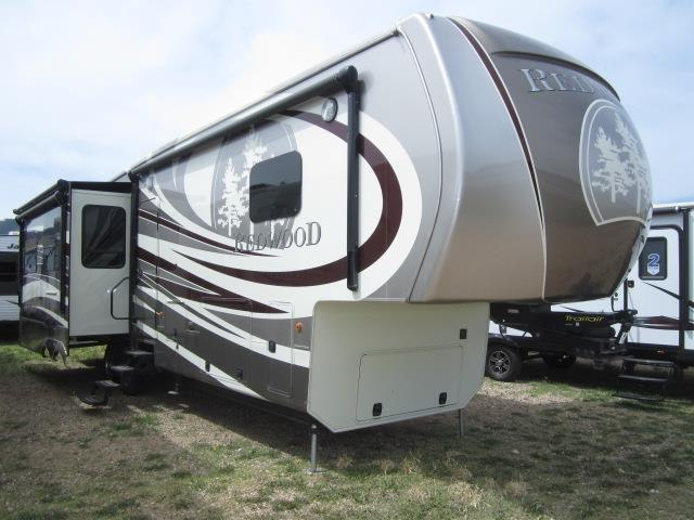 2015 CROSSROADS RV REDWOOD 36FB - Jack's Campers
