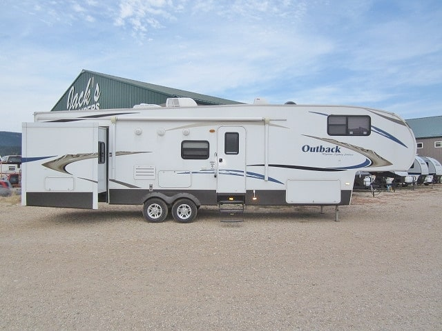 USED 2010 KEYSTONE OUTBACK 329FBH - Jack's Campers