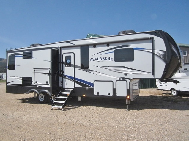NEW 2019 KEYSTONE AVALANCHE 330GR - Jack's Campers