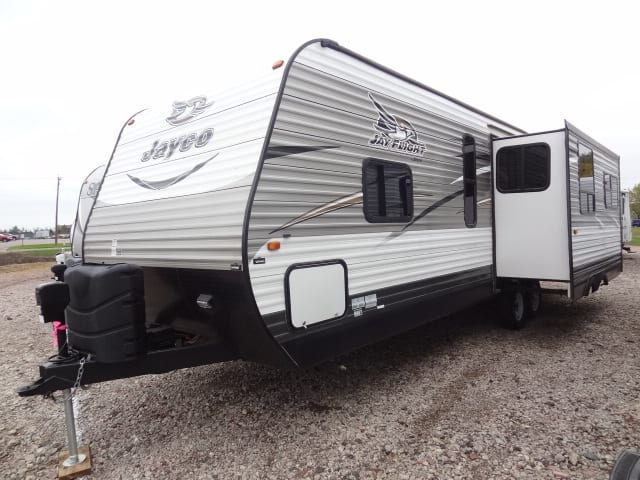 USED 2017 JAYCO JAY FLIGHT 28RLS - Jack's Campers