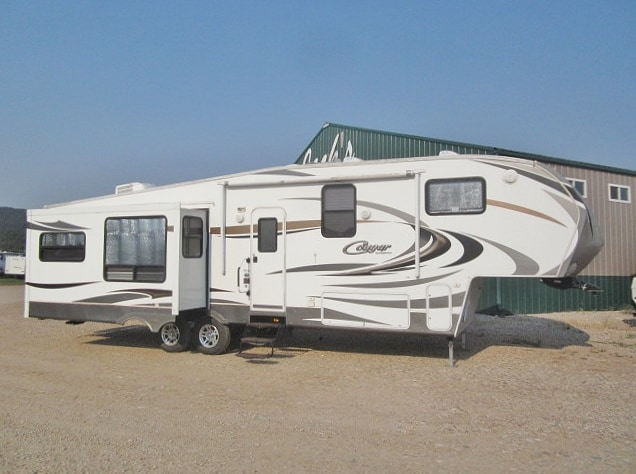 USED 2011 KEYSTONE COUGAR 327RES - Jack's Campers