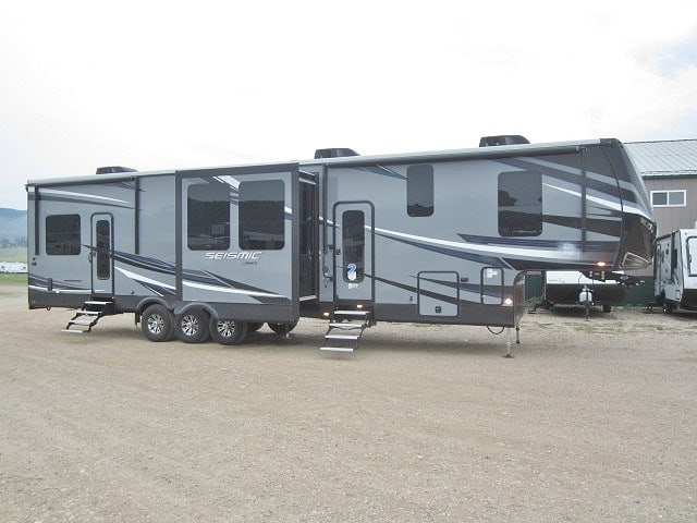 NEW 2019 JAYCO SEISMIC 4116 - Jack's Campers