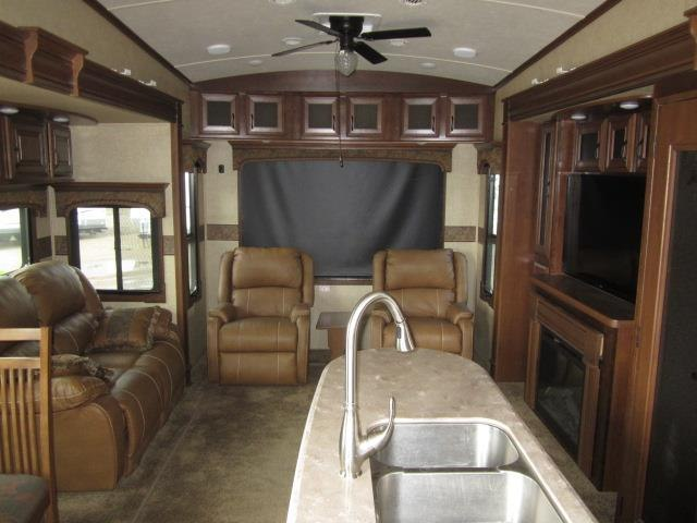 USED 2015 JAYCO PINNACLE 36KPTS - Jack's Campers