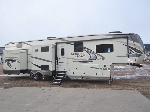 NEW 2019 JAYCO NORTH POINT 379DBFS - Jack's Campers