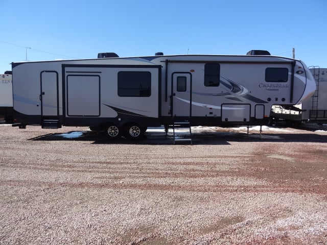 NEW 2019 COACHMEN CHAPARRAL 373MBRB - Jack's Campers