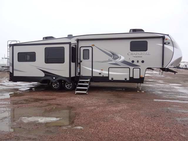 NEW 2019 FOREST RIVER CHAPARRAL 336TSIK - Jack's Campers
