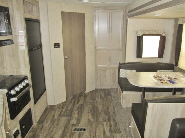 NEW 2019 FOREST RIVER COACHMEN CATALINA LEGACY 243RBSLE - Jack's Campers