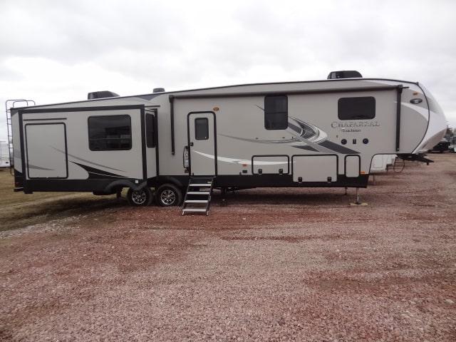 NEW 2019 COACHMEN CHAPARRAL 391QSMB - Jack's Campers