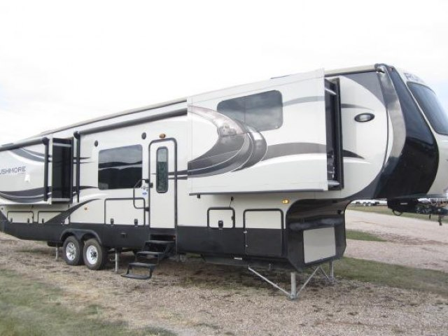 2014 CROSSROADS RUSHMORE LINCOLN 39LN - Jack's Campers