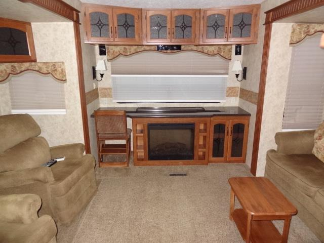 USED 2011 KEYSTONE MONTANA 3665RE - Jack's Campers