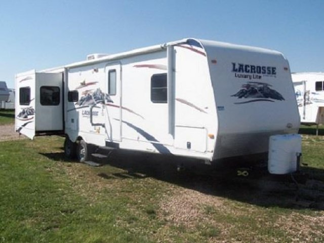USED 2011 PRIME TIME LACROSSE LUXURY LITE 305RES - Jack's Campers