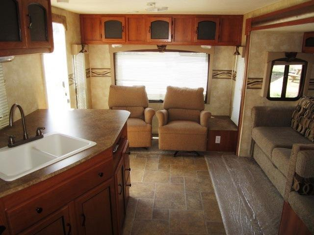 USED 2011 FOREST RIVER FREEDOM EXPRESS 295RLDS - Jack's Campers