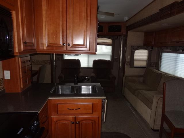 USED 2011 HEARTLAND BIG HORN 3055RL - Jack's Campers