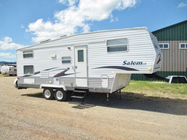 USED 2006 FOREST RIVER SALEM LE 24BHSS