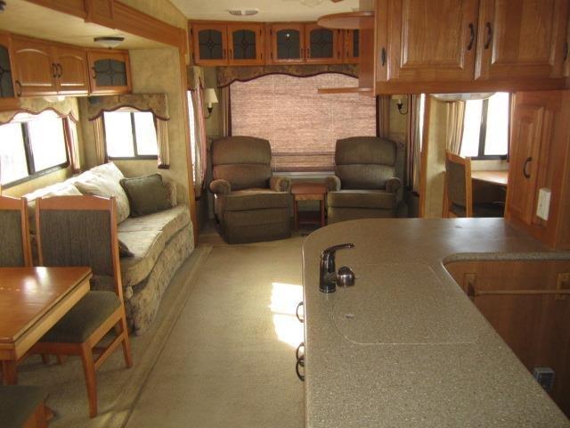 USED 2009 KEYSTONE MONTANA 3400RL - Jack's Campers