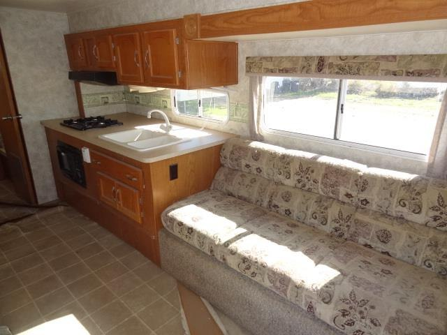 USED 2006 COACHMEN COACHMEN CATALINA 27TBS - Jack's Campers