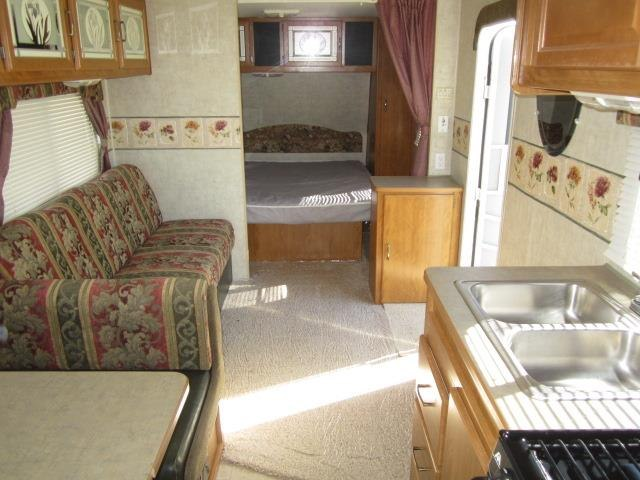 USED 2006 FLEETWOOD PROWLER LYNX 829S - Jack's Campers