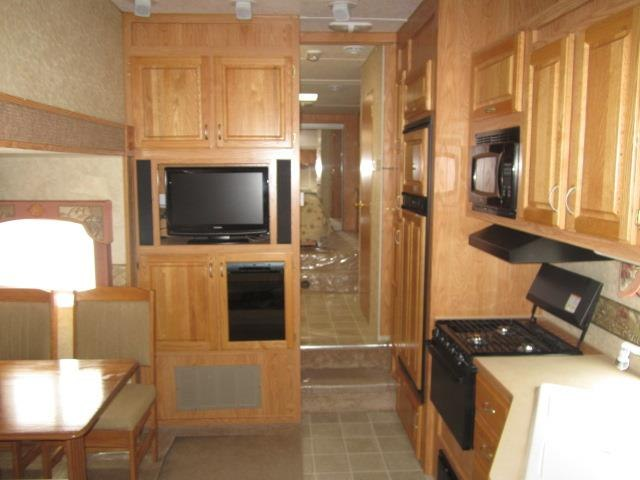 USED 2005 JAYCO EAGLE 301RLS - Jack's Campers