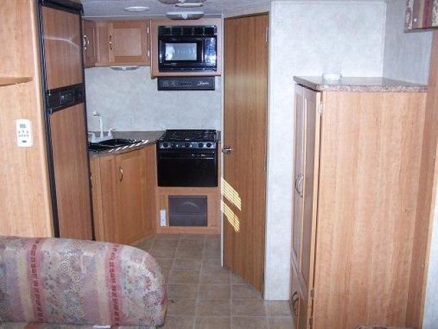 USED 2005 KEYSTONE ZEPPELIN ZII Z281 - Jack's Campers