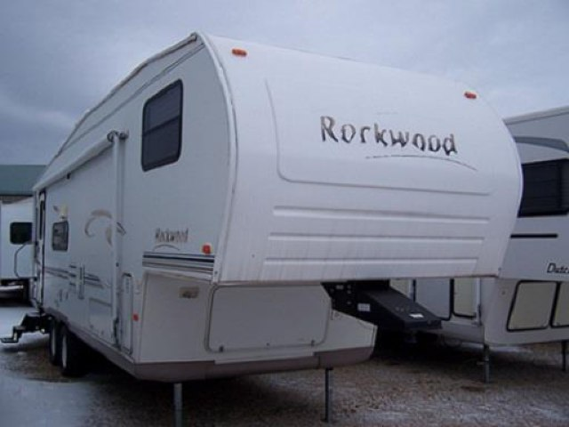 USED 2003 FOREST RIVER ROCKWOOD 8285SS - Jack's Campers