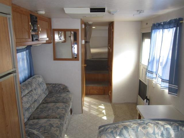 USED 2001 COACHMEN CATALINA LITE 259GSX - Jack's Campers