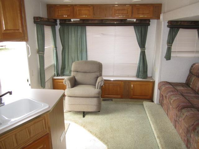 USED 2000 JAYCO EAGLE 311RLS - Jack's Campers