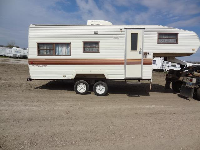 USED 1986 FLEETWOOD WILDERNESS 215B - Jack's Campers
