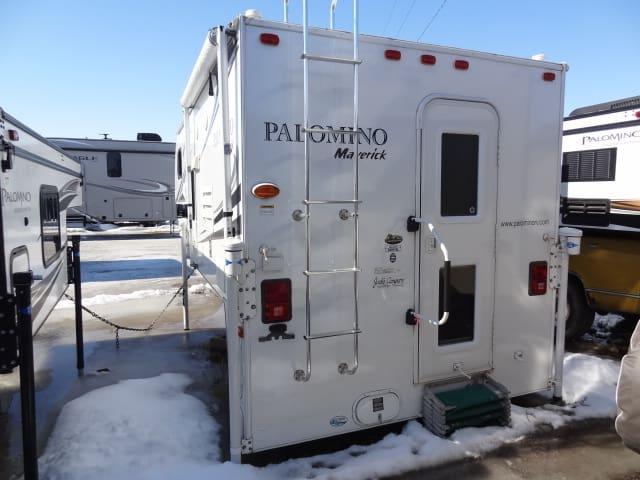 USED 2011 PALOMINO PALOMINO MAVERICK M-1000SL - Jack's Campers