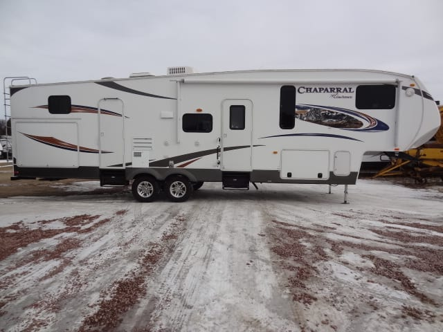 USED 2014 Coachmen CHAPARRAL 345 BHS - Jack's Campers