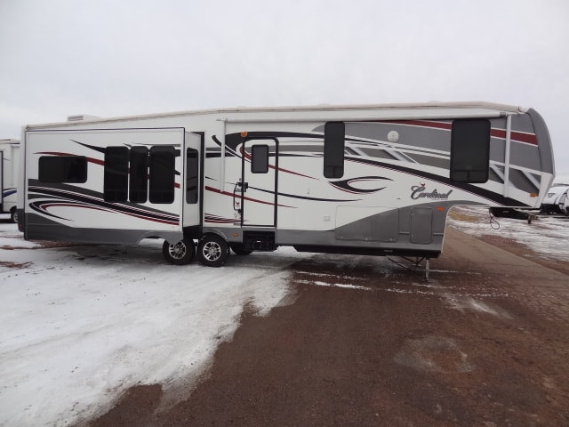 USED 2011 FOREST RIVER CARDINAL 3450RL - Jack's Campers